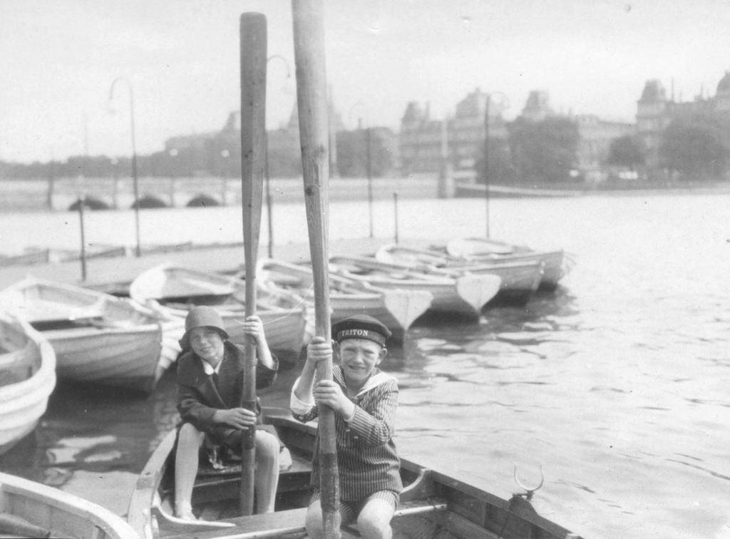 59.44  Bådudlejning på søerne ud for Baggesensgade. Postnummer 2200  K-O 22.12.17