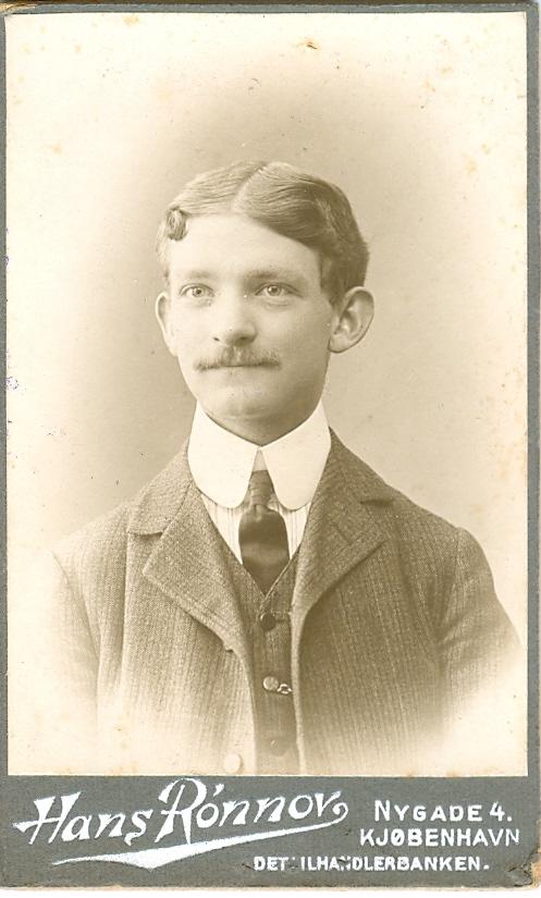 1.7  Portræt af Arnold Ruhwer Bøytler.  Hans Rønnov Nygade 1164