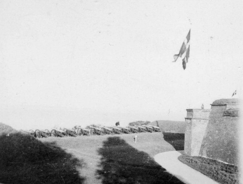 100.116 kanoner ved Kronborg 1933