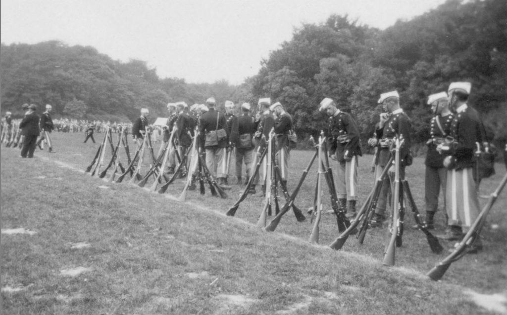 100.123 Soldater ved Kronborg cirka 1933