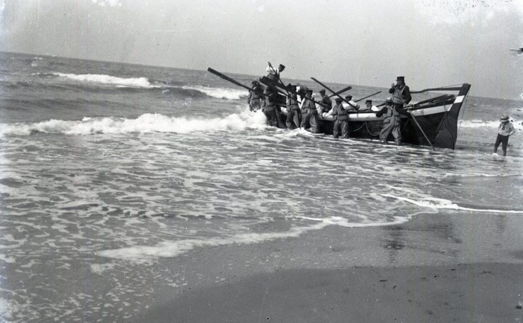10909.12   Redningsbåden sættes ud ved Kandestederne, 9900 Skagen