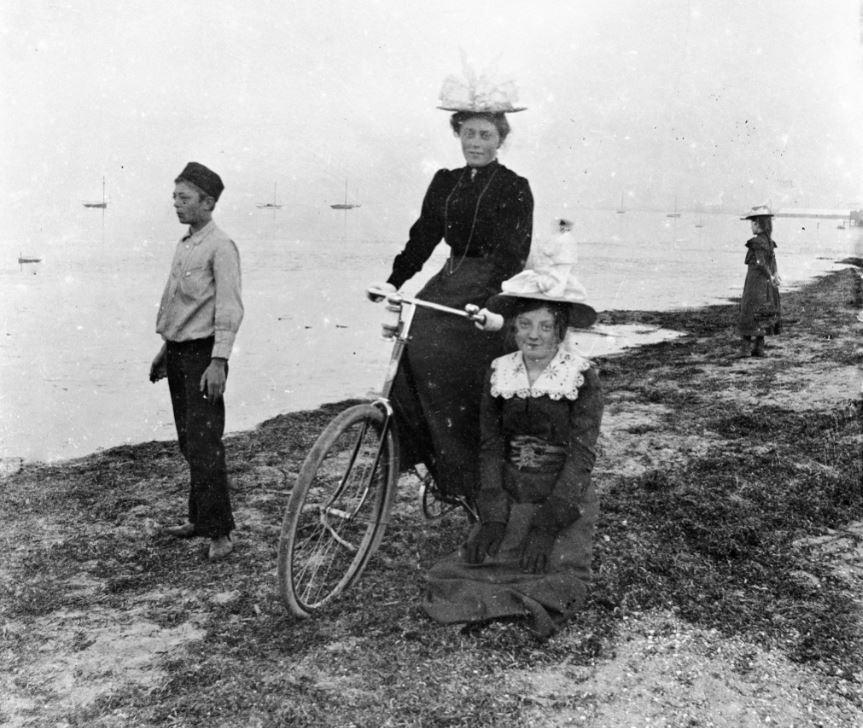 10909.4  Cykeltur på stranden, ukendt