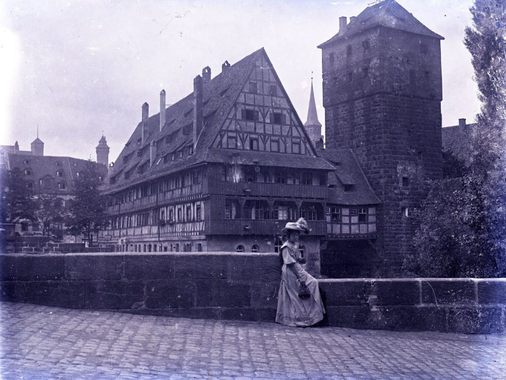 10909.7    Nürnberg, Weinstakel Wasserturm, Henkersteg  FB History of fotography 5.2.2019