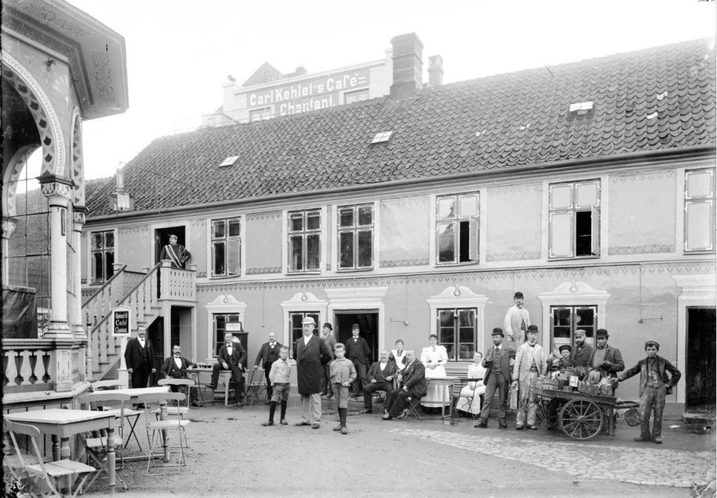 10972.17 Cafe Chantant Allegade 9. 2000 Frederiksberg.  G.K 19.5.2018