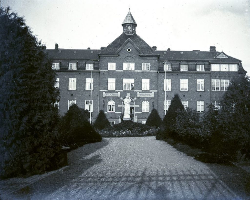 11054.18  St. Maria Hospital.  FB. Roskilde 8.6.2019