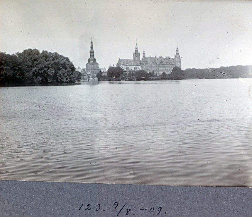 30.123 Frederiksborg slot den 9. august 1909
