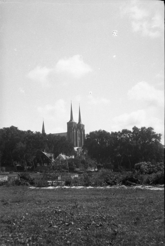 62.84    Domkirken fra Skt. Hansgade 20.7. 1927 4000 Roskilde