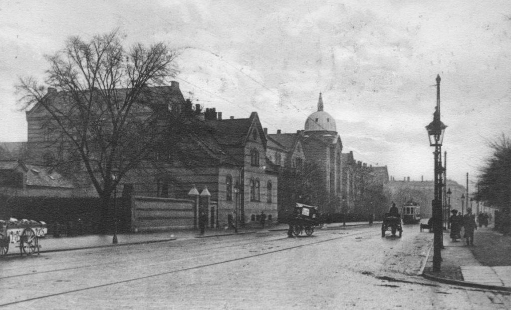 71.141 København, det gamle kommunehospital. Nu Københavns Universitet.  postkort stemplet julen 1913 1353 Øster Farimagsgade.