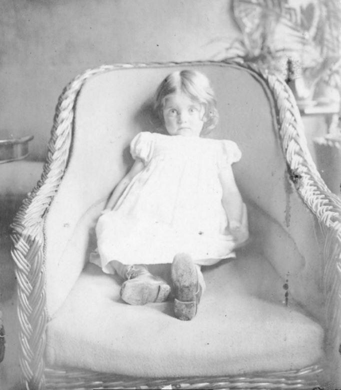 71.23 Lull i lejligheden Englandsgade , Esbjerg 1906 6700