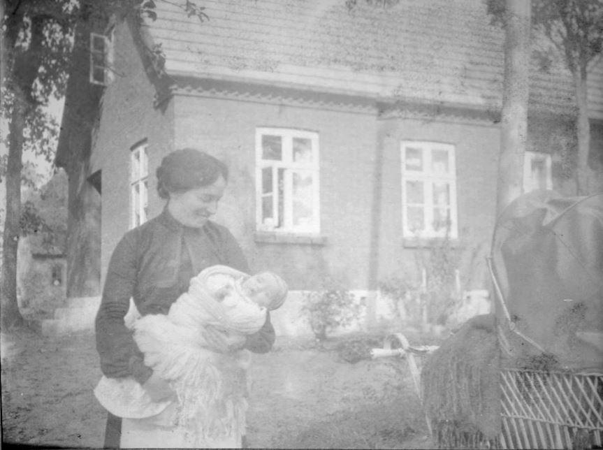 71.24 Letbæk mølle hvor Holga Bache med datteren Lull rekreerede ca 1906  Postnummer 6800