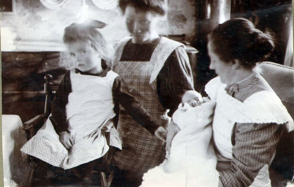 71.54  Lull, vor pige, samt sygeplejersken Petrine med Lene Vorupør 7700 FB Vorupør 26.8.2017
