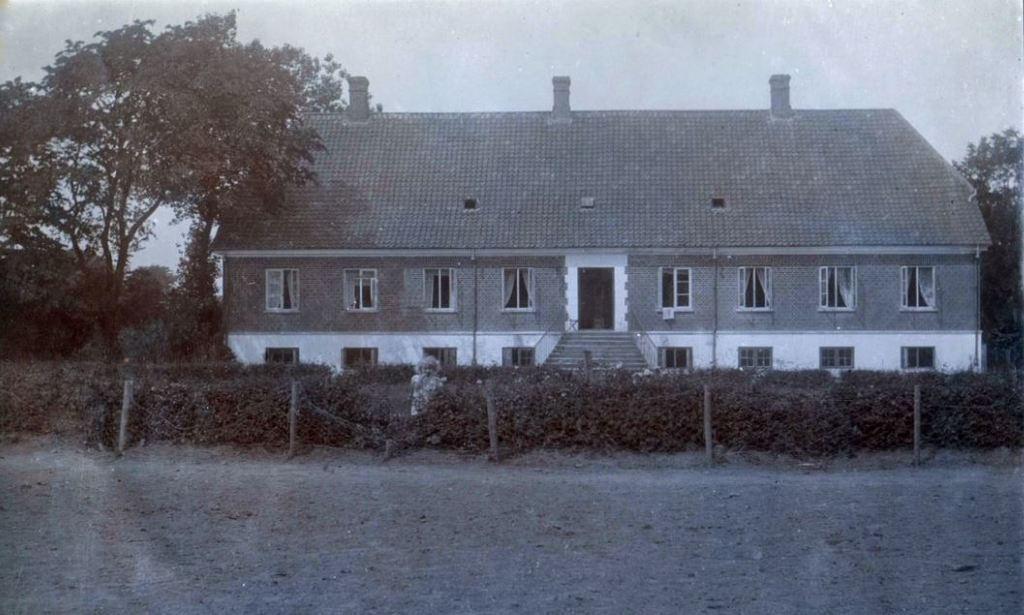 7183 Østergaard ved Langaa 8870
