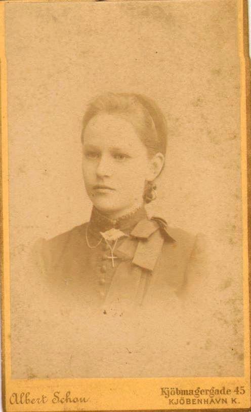 74.100 Else Thomasine Møller f. 9/6 – 1872