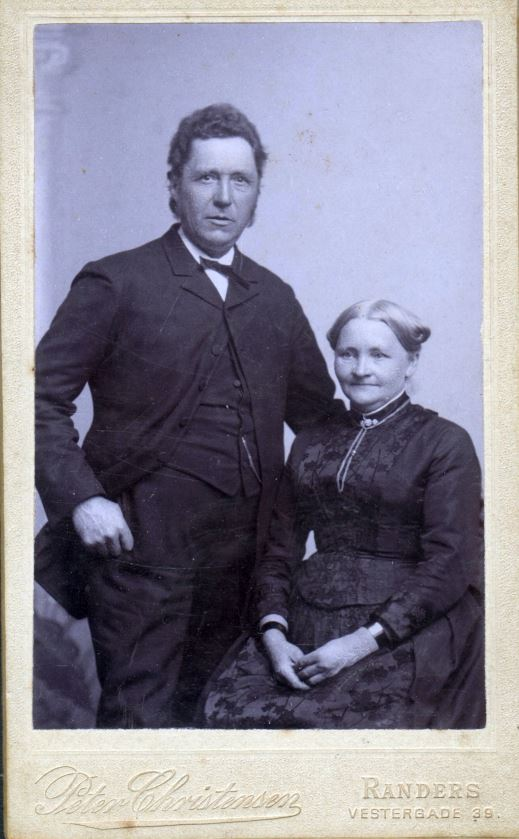 74.17 Købmand Jacob Møller f. 27/12 – 1839 og Marie Møller f. 20/7 – 1839