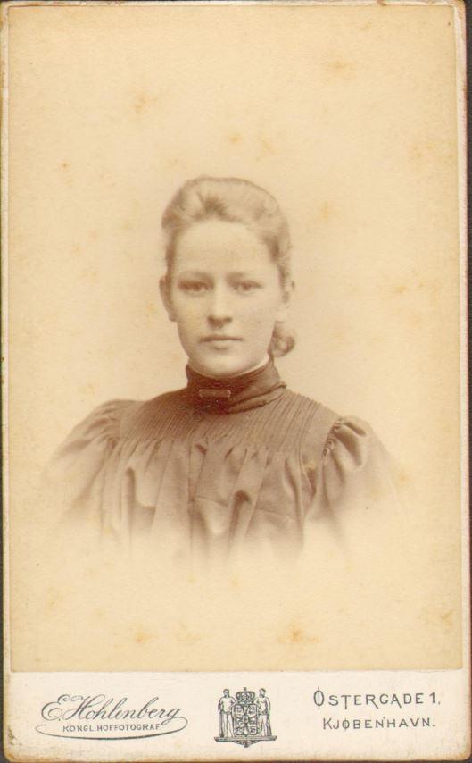 74.36 Else Thomasine Møller f. 9/6 – 1872
