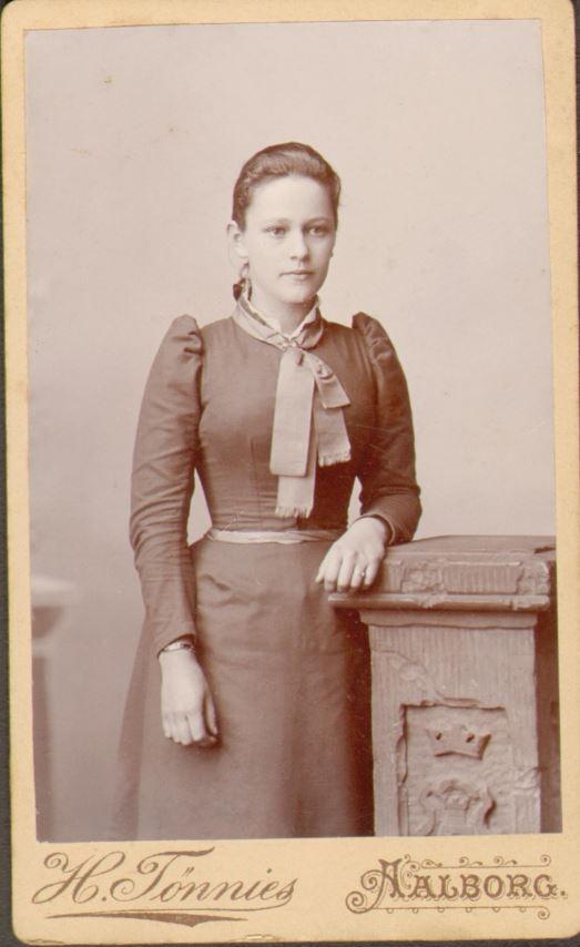 74.39 Else Thomasine Møller f. 9/6 – 1872