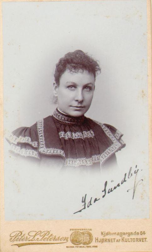 74.76  Ida Sundby, måske en søster til Vilhelm Sundby