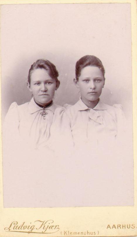 74.79 Marie Magdalene Møller f 13/12 – 1873 og Caroline Christence Møller f. 2/7 – 1867