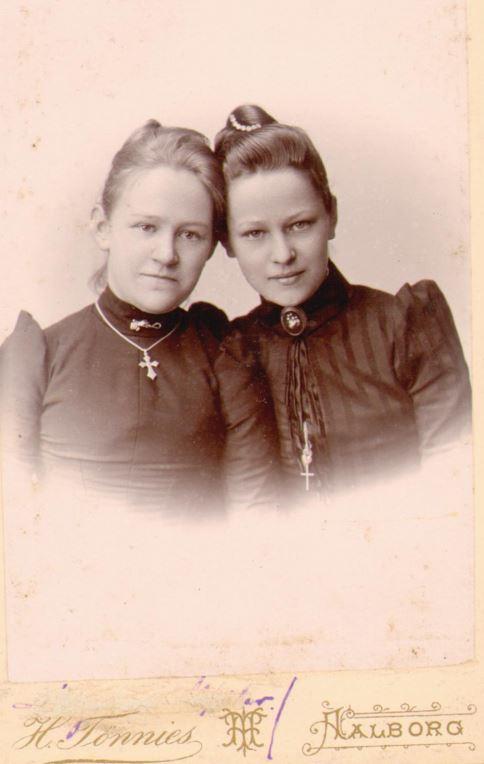 74.92 Marie Magdalene Møller f 13/12 – 1873 og Else Thomasine Møller f. 9/6 – 1872