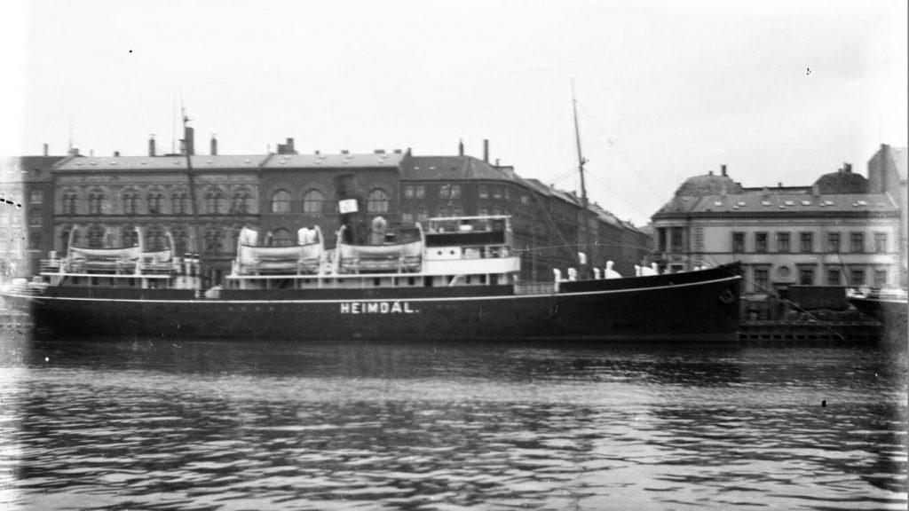 11431.3  Postbåden Heimdal mellem København og Rønne.
