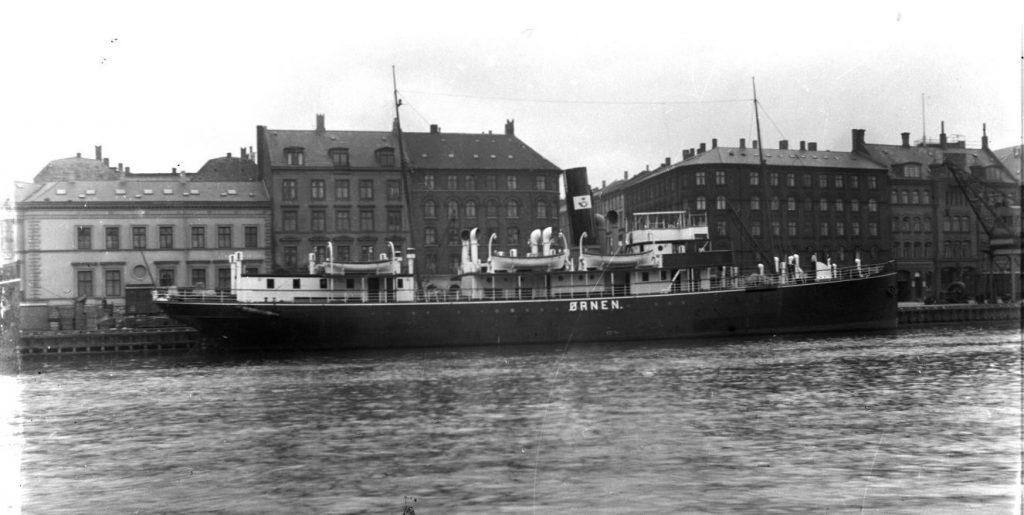 11431.4  Postskibet Ørnen. Sejlede mellem København og Rønne.