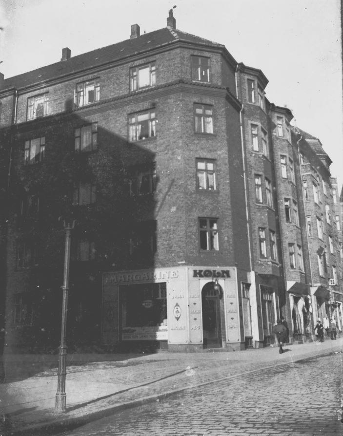 11431.49  Smørforretningen Køln, Holmbladsgade / Smålandsgade.