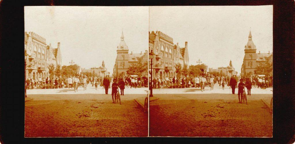 11432.17  Torvet i Esbjerg cirka 1914  Fotograf Peter Møller, Rask Mølle