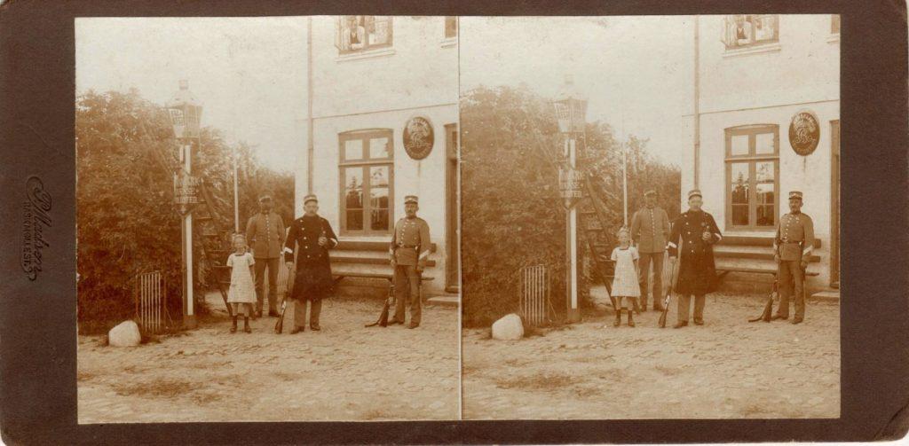 11432.23  Ved grænsen. cirka 1914  Fotograf Peter Møller, Rask Mølle