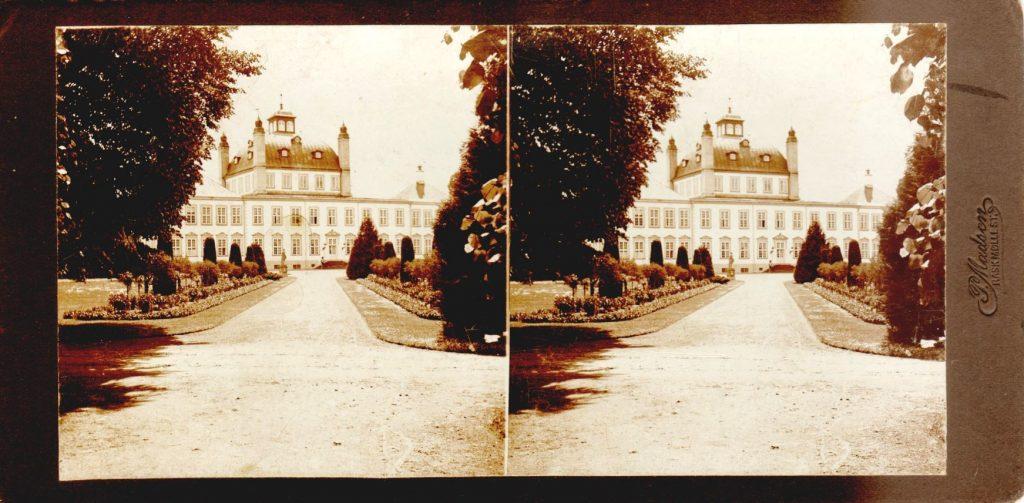 11432.6  Havesiden, Fredensborg Slot cirka 1914.  Fotograf Peter Møller, Rask Mølle