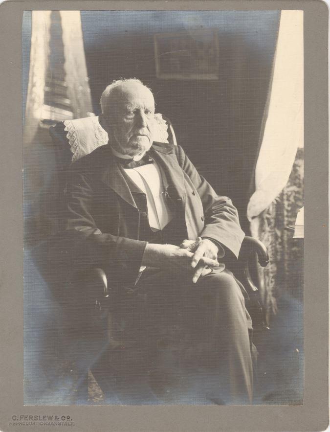 75.103  Jacob Albeck, kontraadmiral, 2.4.1822-6.10 1913  broder til Emilie Angelica Albeck.   Fotograf Ferslew Reproduktion.