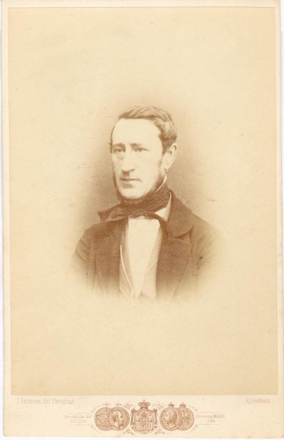75.105  Ferdinand Felix Borch, 1805-1880, Skomagermester og officer.   Fotograf J. Petersen, Nytorv 3, København