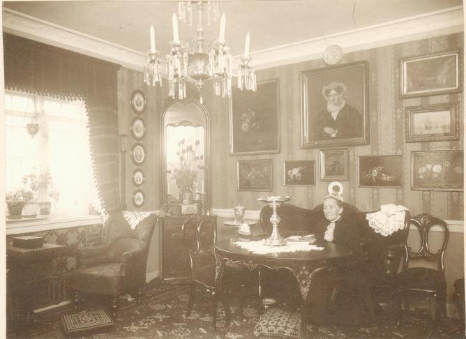 5.112  Sophie Steerup, f.Borch, søster til G.F Borch.  Datering ukendt.