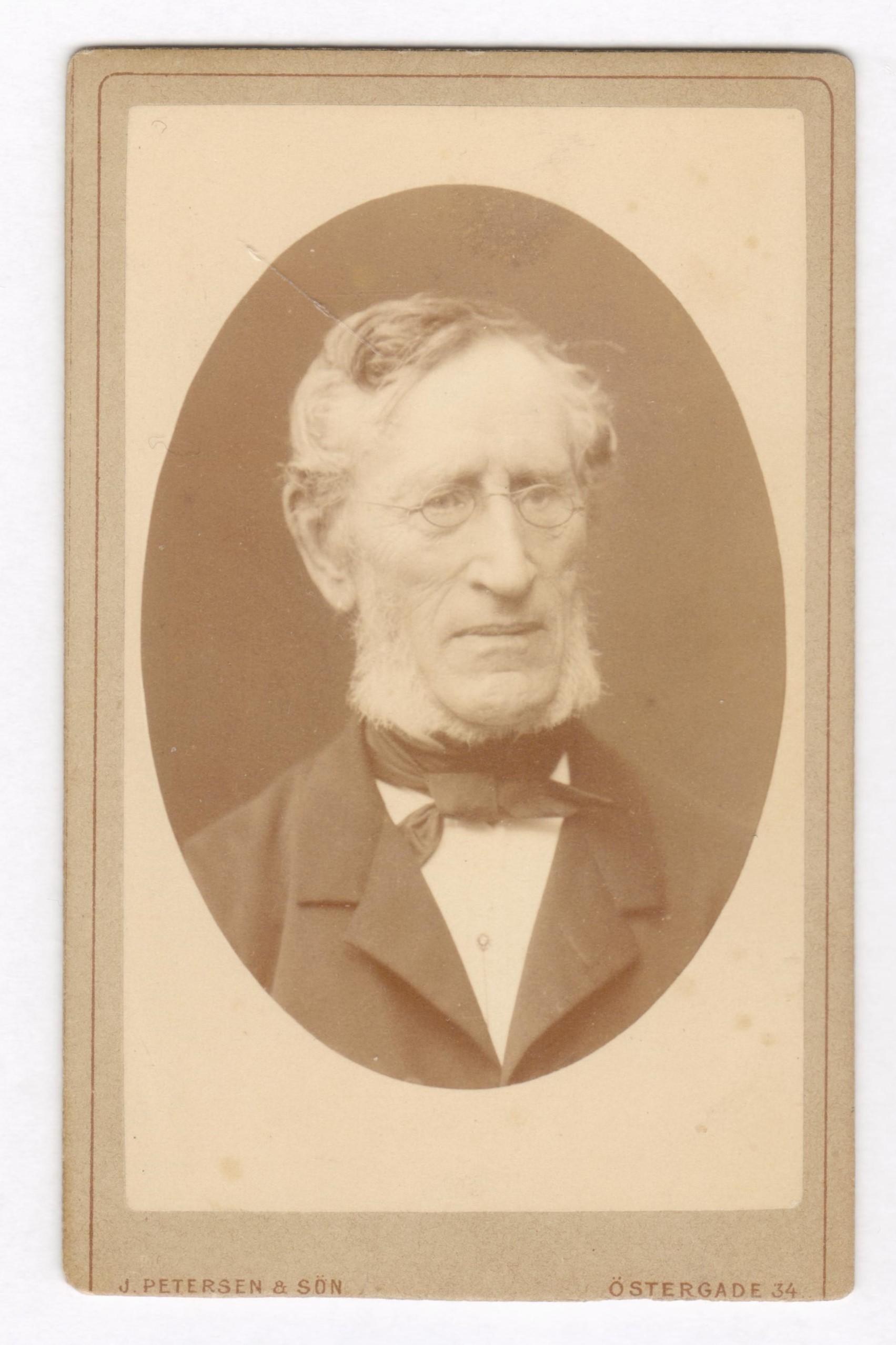 75.38  Ferdinand Felix Borch, 1805-1880, Skomagermester og officer.   Fotograf J. Petersen og søn, Østergade 34, København.