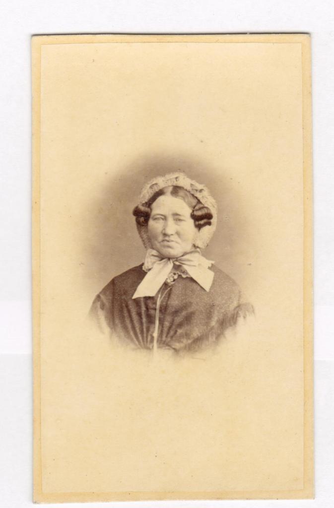 75.6  Sophie Cathrine Quist, 31.12.1808 gift med Ferdinand Felix Borch,datter af Peter Martin Quist. - Se denne  Fotograf Peter Christian Koch, Vesterbro nr. 43