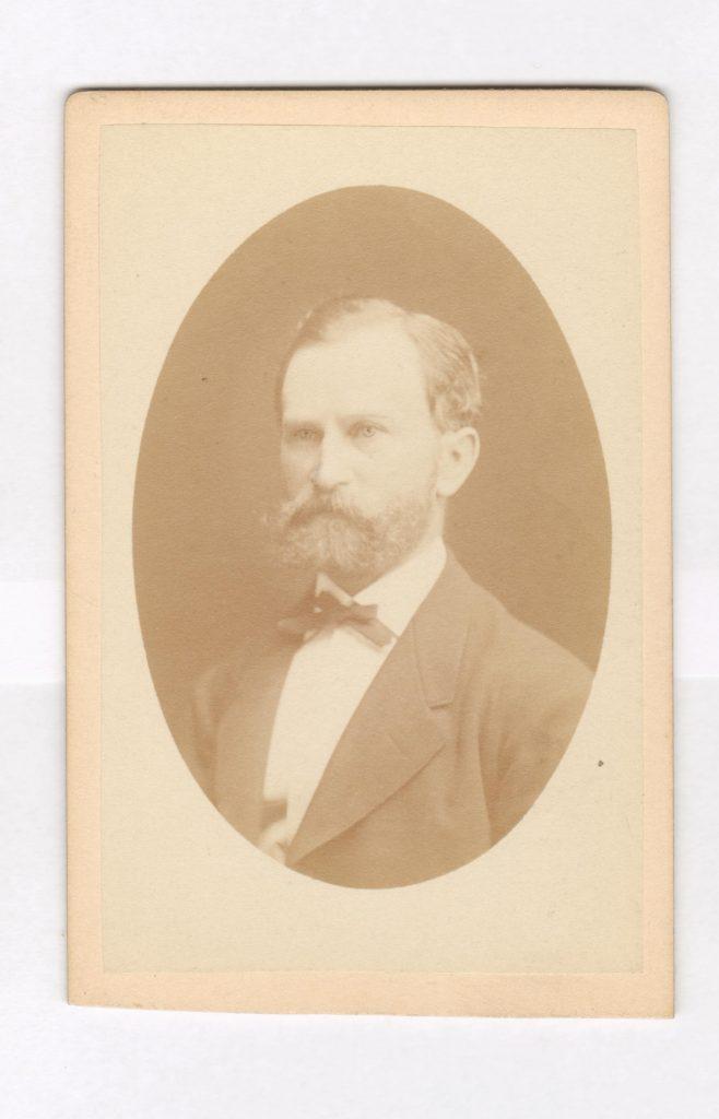 75.60  Adolph Borch, garvermester, bror til G.F Borch  Fotograf Hansen og Weller, Østergade 15, København. Ikke dateret.