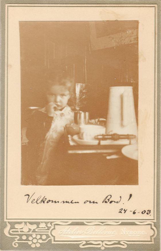75.88  Ukendt person.  Fotograf Atelier Bellevue, Nyborg  Dateret 24.6 1903