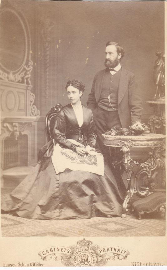 75.96  William Borch f. 23.6. 1837, bror til G.F Borch.  Garvermester. gift med Agnes Kruse. Dateret 1869  Fotograf Hansen, Schou og Weller, Østergade 15, København