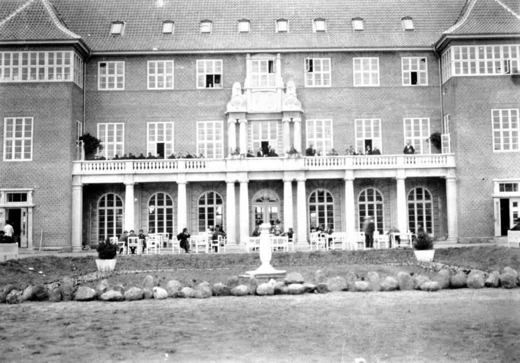 61.77  Dansk Købestævne i Fredericia. Bygningen brændte ned i 1980.  FB-F  1.1.2018