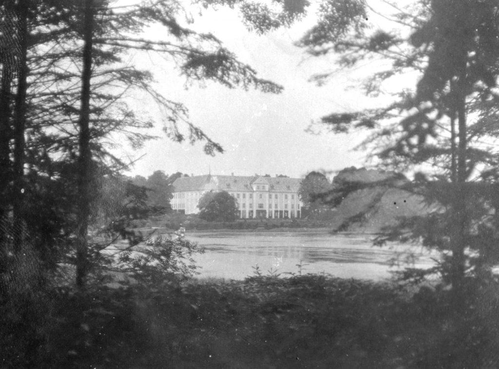 11051.44 Gavnø slot