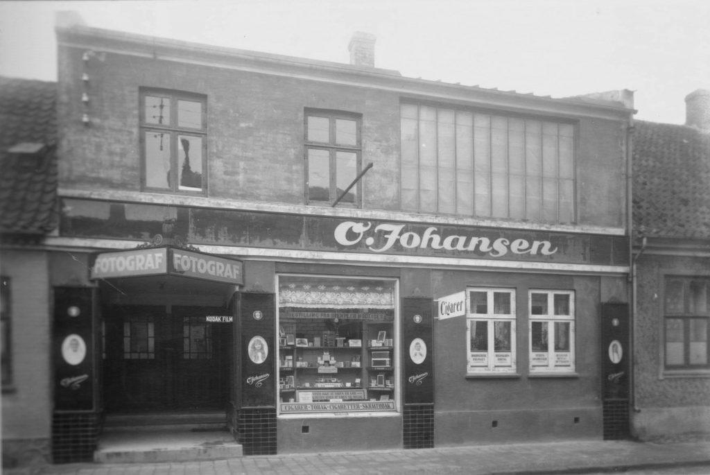 11053.7 Oscar Johansens atelier og forretning.