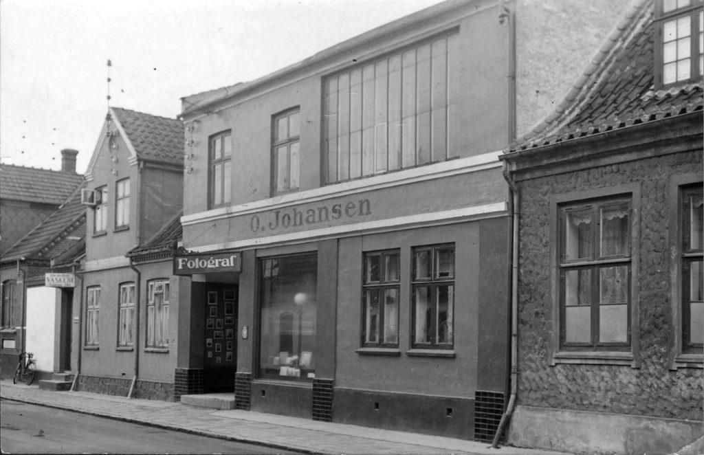 11053.8 Oscar Johansens atelier og forretning.