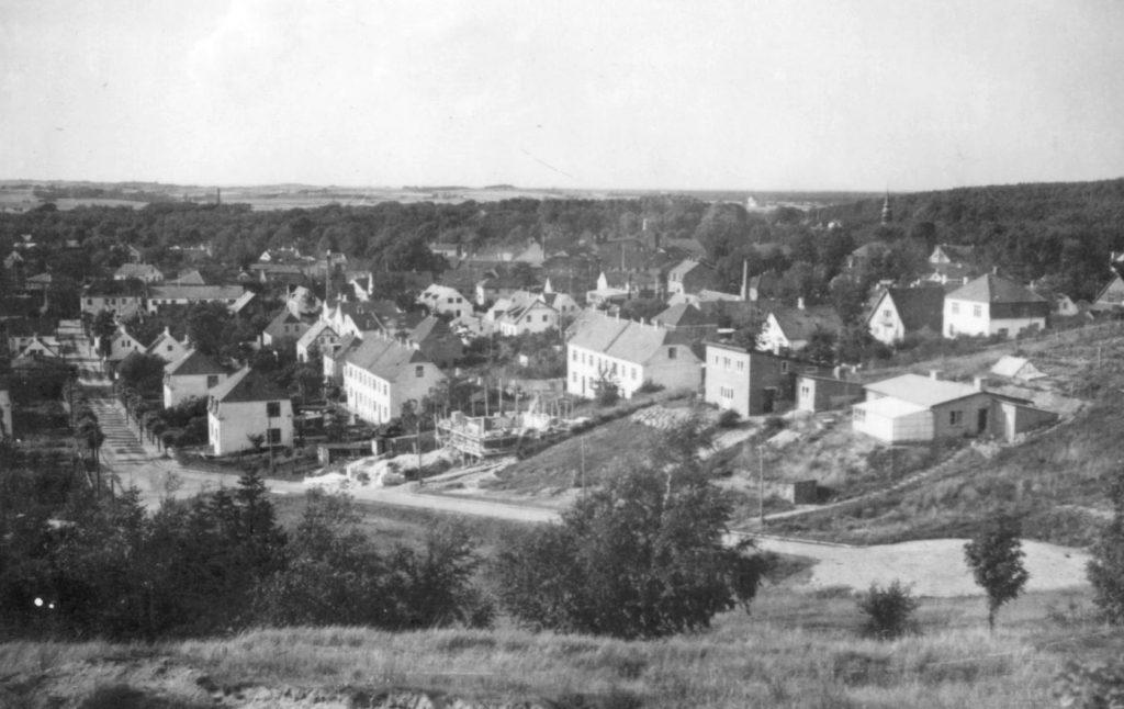 100.237 Billede taget fra toppen af Anker Heegaardsgade. Nybygningen er nummer 17 og året er cirka 1942