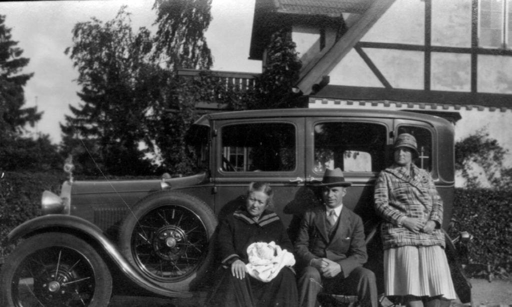 10578.13 Ford A 1928-29 ved Villa Hytten, Gl. Skovvej 1, Espergærde.