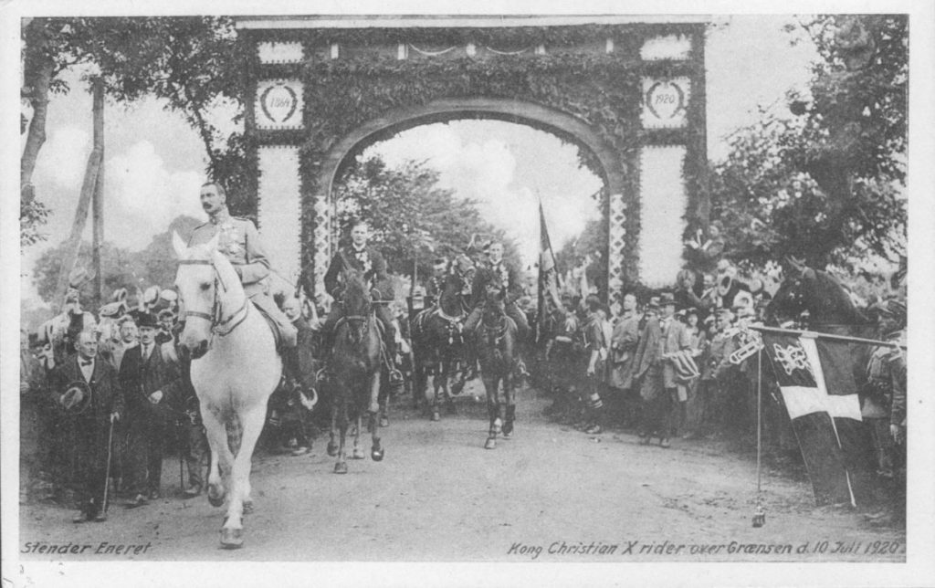 """68.1 Hesten hed """"Malgré Tout"""", som Christian 10. sad på ved Genforeningen."""