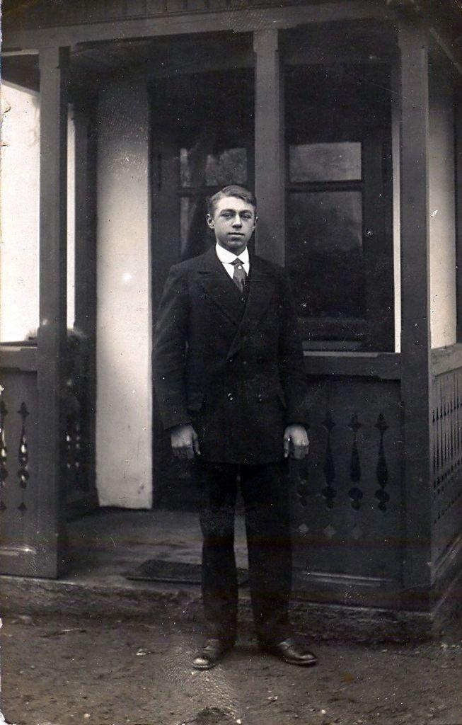 10.14 Formodentlig Viggo Martin Pedersen, f. 3.1.1904