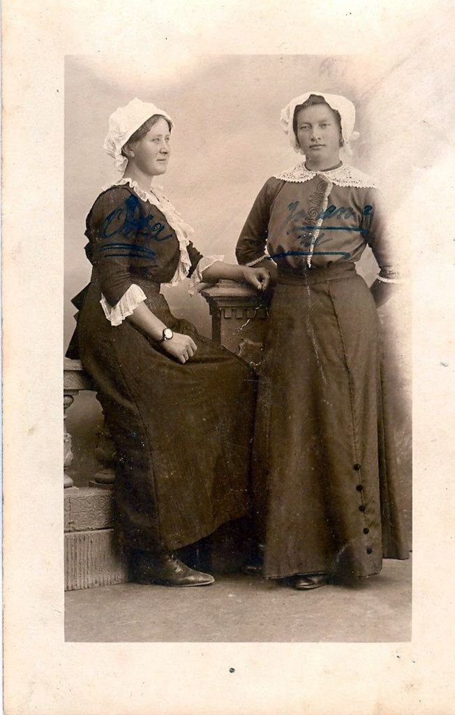 2.34.1 Postkort fra Juli 1913 afsendt af Oda Hornebøl og Johanne Lundkvist
