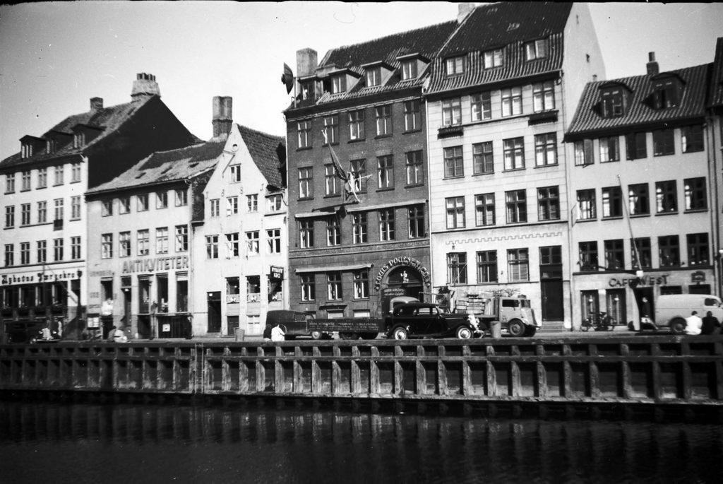 3.67 Nyhavn år 1952.