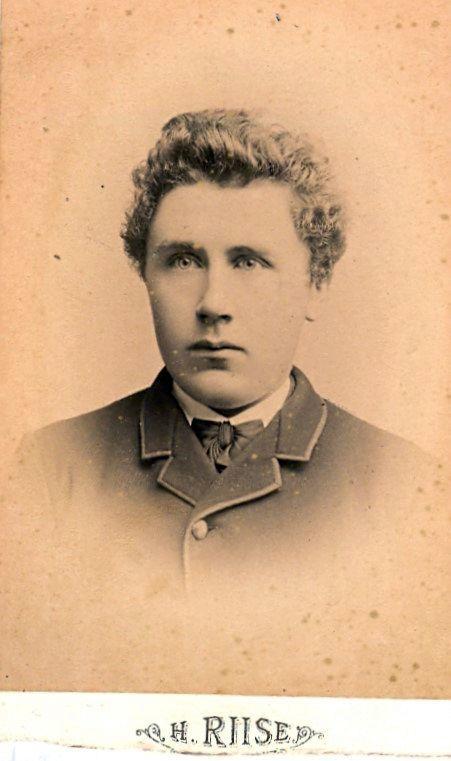 9.22 Taget i København 1888.Jens Christian Jensen fotograferet 1888 i København
