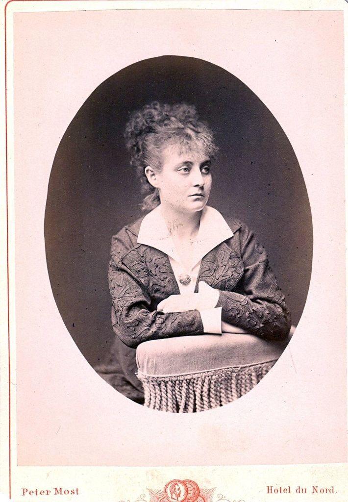 15.26 Betty Guldbrandsen, kendt skuespillerinde.