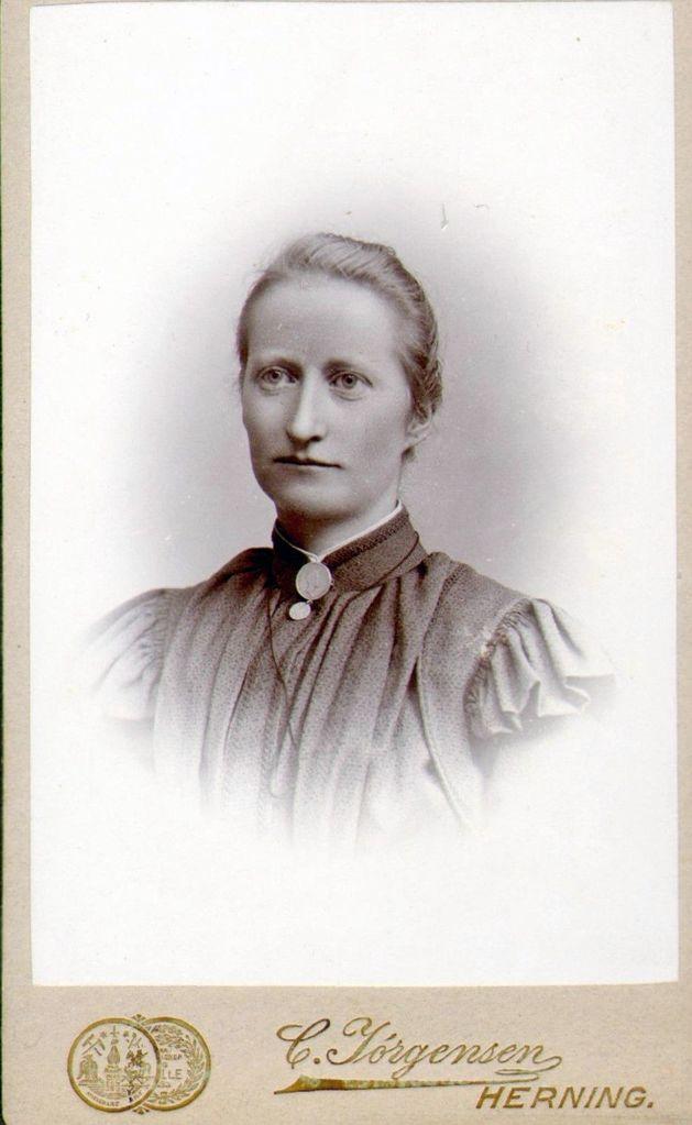 18.52 Kristiane Dinesen, f. 3.8.1870, død 28.2.1900